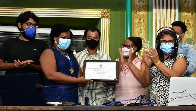 Jaqueline Góes recebe Comenda Maria Quitéria da Câmara de Salvador