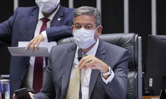 Câmara dos Deputados aprova que empresas comprem vacinas contra Covid-19