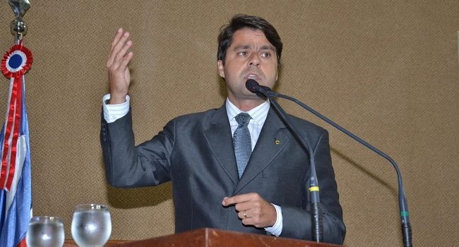 Paulo Câmara cobra explicações do Governo da Bahia sobre contrato da Hempcare