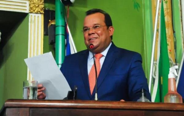 """Artigo """"A reinvenção da Câmara de Salvador"""" por Geraldo Júnior"""