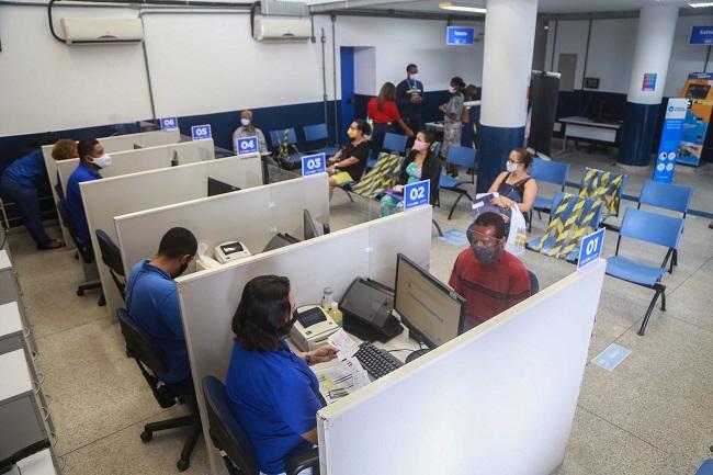 Vacinação nas Prefeituras-Bairro é exclusiva para quem atualiza o Cartão SUS