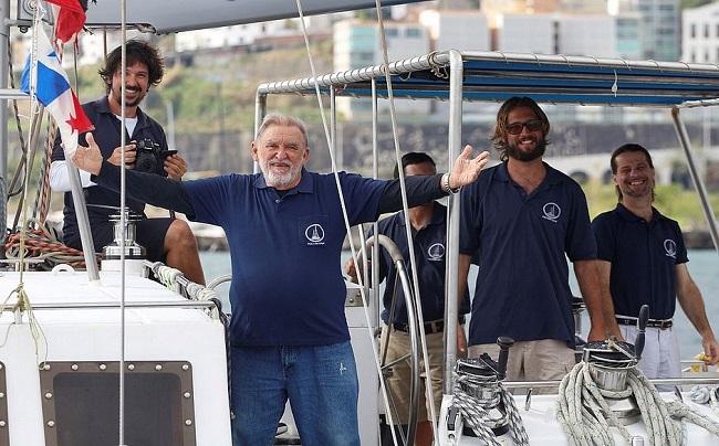 Navegador ucraniano Aleixo Belov lança livro no Yacht Clube da Bahia