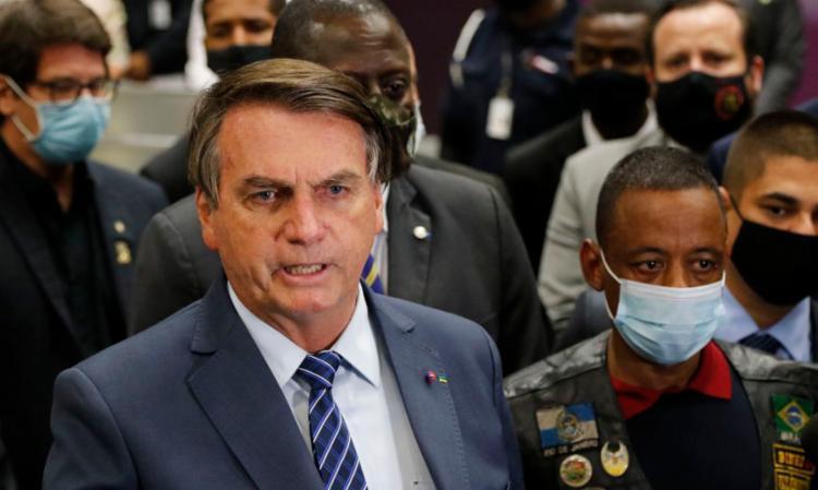 Bolsonaro recepciona motorista que estava preso na Rússia