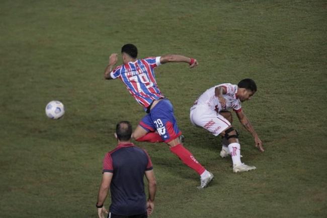Bahia vence o Vila Nova por 1 a 0 e avança na Copa do Brasil; veja o gol