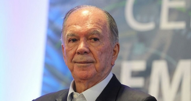 Leão entra na Justiça contra bandeira vermelha na conta de energia, diz colunista