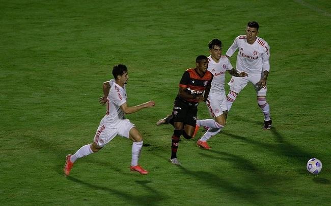 Vitória perde do Inter-RS por 1 a 0 pela Copa do Brasil; veja o gol