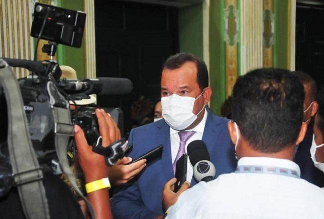 """""""Vacinação dos jornalistas hoje é uma vitória da sociedade"""", diz Geraldo Júnior"""