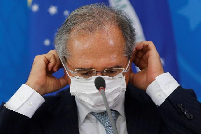 """Guedes diz que não há conflito de interesse em manter """"offshore"""" em paraíso fiscal"""