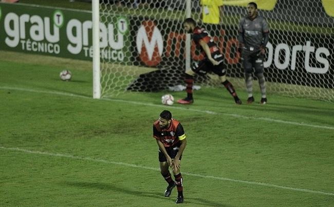 Série B: Vitória perde para o Náutico por 1 a 0 no Barradão
