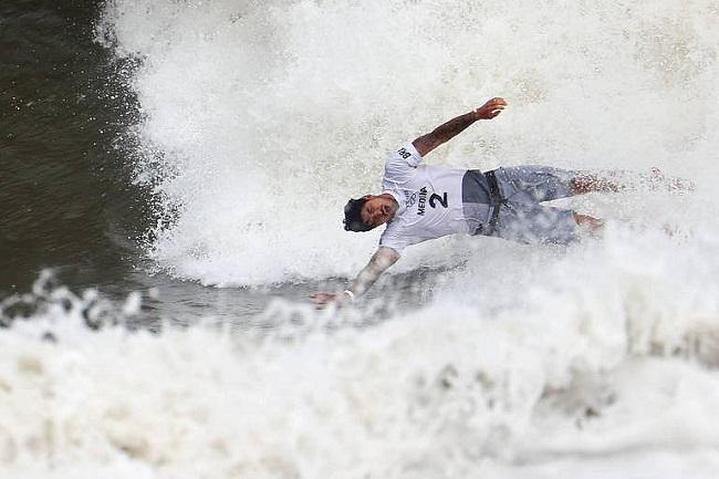 Tóquio: Sem critério, juízes do surfe tiram Medina do pódio