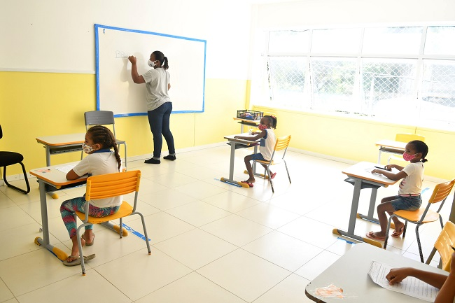 Aulas presenciais vão retornar nas escolas municipais de Salvador na segunda