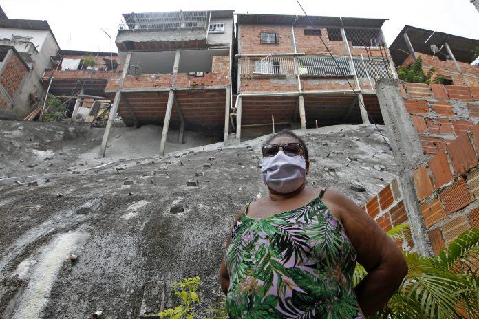 Obra de contenção de encosta é entregue em Marechal Rondon