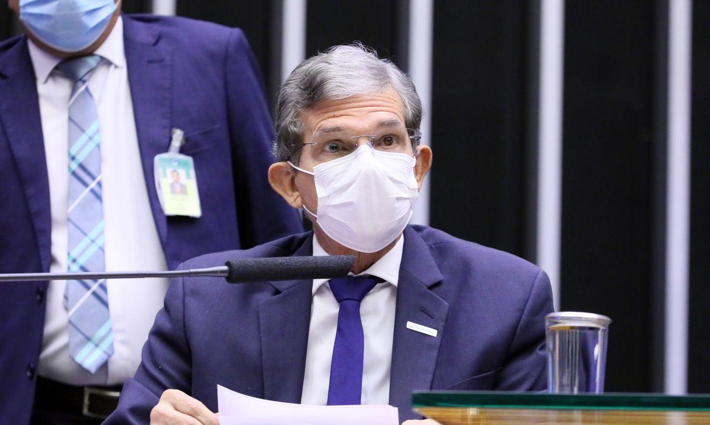 Silva e Luna diz que Petrobras é responsável por 34% do preço da gasolina