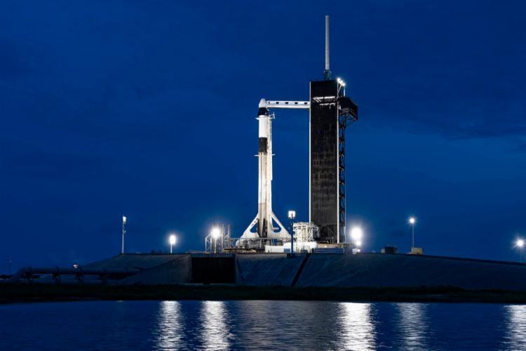 SpaceX faz primeira viagem de turismo espacial nesta quarta