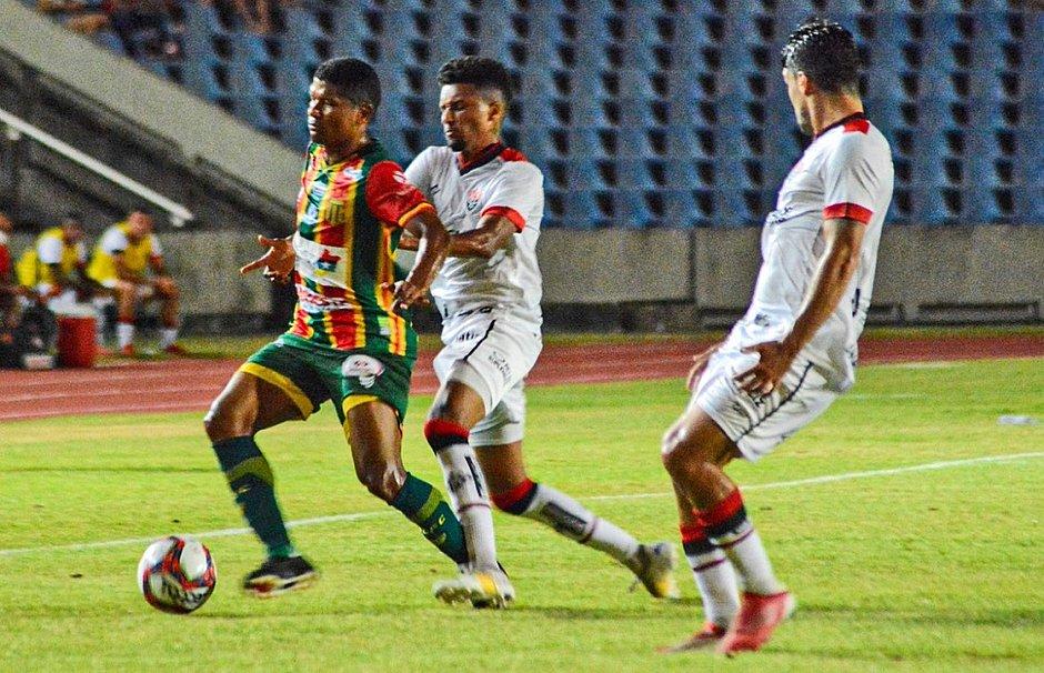 Série B: Fora de casa, Vitória bate o Sampaio Corrêa-MA por 1 a 0; veja o gol